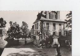 Maison Diocésaine De Récollection 6, Rue De Sceaux - BAGNEUX - La Cour D'entrée - Bagneux