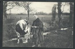 """+++ CPA - Ferme - Bétail - Elevage - Métier - Fermière Et Vache - """"Pauvre Vieille """"   // - Elevage"""