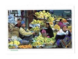Cpm - Népal - KATHMANDU - Marché Marchand Fruits Balance Pesée Cloche - Népal