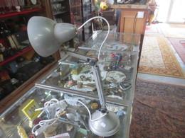 Ancienne Lampe De Bureau En Tole - Lamps
