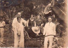 REF Photo 12 : Photo Originale 18 X 13 Cm - ¨photo Afrique Conakry Avril 1924 Pousse Pousse Famille Coloniale - Afrika