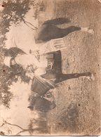 REF Photo 12 : Photo Originale 17,5 X 23,5 Cm - Photo Afrique CONAKRY ? Enfant Colon Colonie Sur Cheval Vers La Gauche - Afrique
