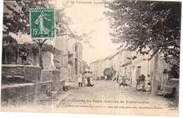 CPA VAUCLUSE.GRILLON.ENTREE DU PAYS.ARRIVEE DE RICHERENCHE - France
