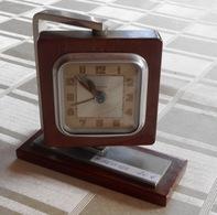 Réveil  Art Déco  BAYARD - Alarm Clocks