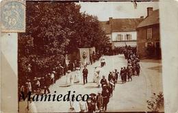 ARFEUILLES (03)  Carte-photo. Procession Religieuse En 1906. Scans Recto-verso. TBE - Manifestations