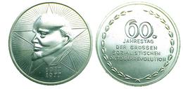 03092 MEDAGLIA MEDAL 60 JAHRESTAG DER GROSSE SOZIALKISTICHEN OKTOBER REVOLUTION 1917/1977 LENIN - Allemagne