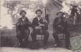 UN GROUPE DE JOUEURS DE CHABRETTE - France