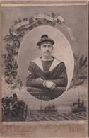 Grand Cdv Photo Collée Sur Carton,  Portrait D'un Marin Du Dupetit Thouars  Par J.Inizan  Photographe à Brest (29) - Guerra, Militares