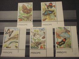 SAO TOME' - 1989 FARAFALLE,ecc....  5 VALORI - NUOVI(++) - Sao Tomé E Principe