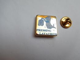 Beau Pin's , Pressing Lavathom , Otarie , Phoque , Les Pavillons Sous Bois - Animaux