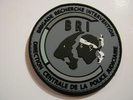 ECUSSON PATCH PVC POLICE NATIONALE LA BRI DE DE CORSE EN B.V GRIS (VELCROS) ETAT EXCELLENT - Police & Gendarmerie