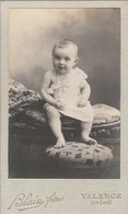 Photo.: C.D.V. : Bébé Attentif - Petite Simone : Photo. : BLAIN  FRERES : Valence : Drome - Ancianas (antes De 1900)