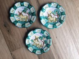 3 Piatti Vintage Da Appendere In Ceramica Fatti E Dipinti A Mano - Sicilia Caltagirone? Asino Ciuccio - Céramiques