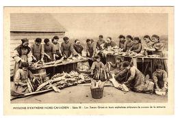 Mission D' Extrême Nord Canadien - Les Soeurs Grises Et Leurs Orphelines Préparent Le Poisson De La Semaine - Alberta