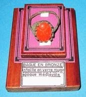 Superbe Bague En Bronze. Moyen Âge. - Archéologie