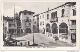 Cartolina Gemona Del Friuli (UD) 1940 Piazza - Italy