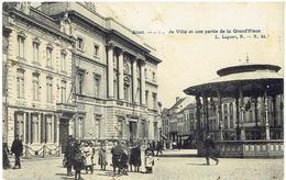 ALOST - Hôtel De Ville Et Une Parti De La Grand'Place - Aalst