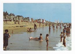 50 Coutainville Vers Coutances N°1722 La Plage Vers Le Passous En 1976 Enfants Baigneurs Baigneuses Voiliers - Coutances