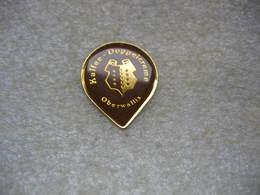Pin's Couvercle En Aluminium D'un Pot De Crème De Café 12g ( Kaffee-Doppelcreme). Club De Collectionneurs à OBERWALIS - Food