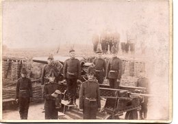 Troupes De Soldats Avec Des Canons - Guerre, Militaire