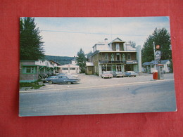 Manoir Ste Rose  Telephone Booth-- Coca Cola Machine Canada > Quebec >  Ref 3144 - Quebec