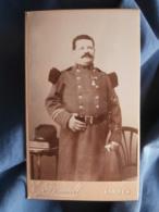 Photo CDV  Arnault à Tarbes  Sergent Major 53e D'Infanterie Galons D'ancienneté  Médaille Militaire - L414A - Oud (voor 1900)
