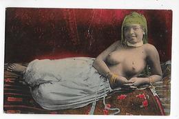 NUS  - CPA  Colorisée  De  SCENES  Et  TYPES  -  MAURESQUE  Couchée  -  Exposant  Ses  BEAUX  SEINS - Nordafrika, Maghreb