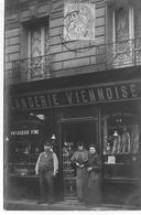 75 PARIS 17 RUE JOUFFROY BOULANGERIE AVEC LES PATRONS ET EMPLOYES CARTE PHOTO - Arrondissement: 17