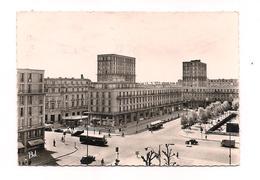 LE HAVRE Place De L'Hôtel De Ville - 1668 Bellevues   -  AUTOCARS - - Other