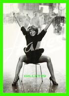 PUBLICITÉ - ADVERTISING - HANES HOSIERY INC 1996 - TINA TURNER, HANES BECOMES YOU - MAX RACKS - - Publicité