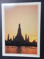 19864) BANGKOCK TEMPLE OF THE DAWN TRAMONTO VIAGGIATA - Tailandia