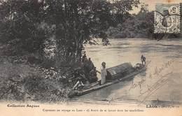CPA Comment On Voyage Au Laos - Avant De Se Lancer Dans Les Tourbillons - Laos