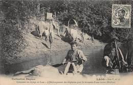 CPA Comment On Voyage Au Laos - Déchargement Des éléphants Pour La Traversée D'une Rivière ( Hin Lat ) - Laos
