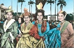 MARTINIQUE Jeunes Filles En Costume Créole - Martinique