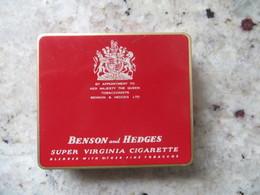 Boite Métal Cigarettes Benson And Hedges - Made In England - Seita Vente En France Bon Etat Sauf Recto - Contenitori Di Tabacco (vuoti)