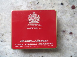 Boite Métal Cigarettes Benson And Hedges - Made In England - Seita Vente En France Bon Etat Sauf Recto - Boites à Tabac Vides