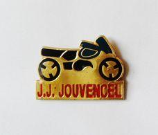 Pin's Moto J.J Jouvencel -  BL2 - Pin's