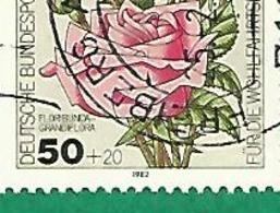 * 1982 N° 641  ROSES FLORIBUNDA GRANDIFLORA    OBLITÉRÉ  TB - [5] Berlin