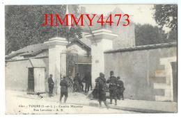 CPA - Caserne Meusnier Rue Lavoisier, Entrée Bien Animée En 1918 - TOURS 37 Indre Et Loire - Edit. André Boucher N° 6301 - Tours