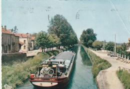 Rare Cpsm Le Canal Du Centre Avec Péniche Cavalaire LY 1133F - Paray Le Monial