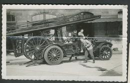 Camion De Pompier Ou Militaire à Identifier - Cars