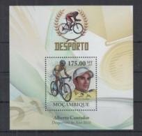 E95. Mozambique - MNH - 2010 - Sport - Cycling - Alberto Contador - Bl - Francobolli
