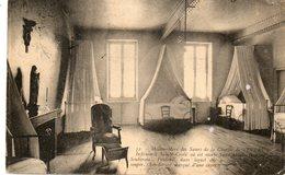NEVERS....CPA......chambre Et Fauteuil Ou Mourut  Bernadette Soubirous - Nevers