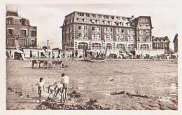 Calvados        1592        Blonville Sur Mer.La Plage Et Le Grand Hôtel - France