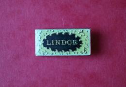 Lindt Lindor Noir - Food