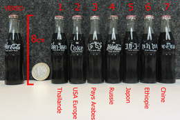 COCA-COLA Bouteille Miniature 8cm (en Verre + Capsule) COKE USA - N°2 Sur Photo - Bottles
