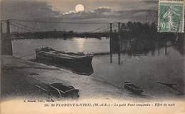 Saint Florent Le Vieil       49       Effet De Nuit Le Petit Pont Suspendu. Péniche   (voir Scan) - Altri Comuni