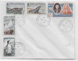 TAAF - 1960 - YT N°13A+13B+16+17+18 OBLITERES Sur ENVELOPPE - COTE Des TIMBRES = 120 EUR. - Terres Australes Et Antarctiques Françaises (TAAF)