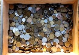 SÉLECTION MONNAIES DE FRANCE EN VRAC- 1,5 KG. -EPOQUES DIVERSES- 3 SCANS - Monnaies & Billets