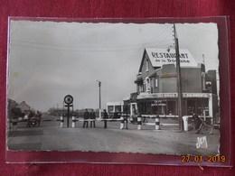 CPSM - Bettignies - Café-Restaurant De La Douane - Andere Gemeenten